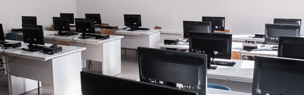 "Laboratorio informatica secondaria ""Ciusa"""